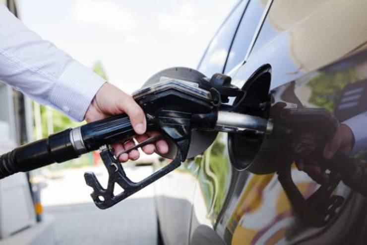 به چه دلیلی باک بنزین را نباید کامل پر کرد